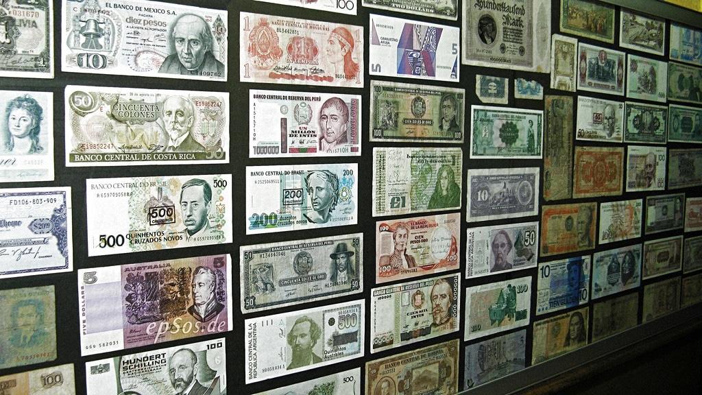 Cerita Kisah Tentang Peperangan Mata Uang