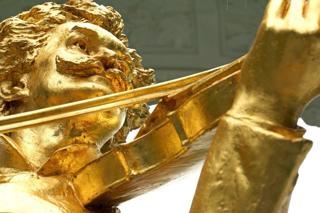 Cek Harga Emas Dengan Aplikasi Logam Mulia via Android