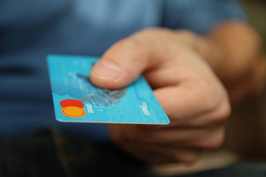 Bahaya kartu kredit kalau dipegang oleh beberapa tipe orang seperti ini!