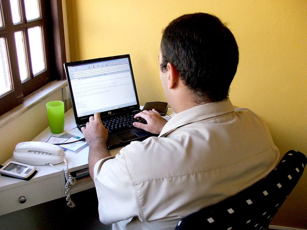 Tips Agar Alamat Email Bisa Dipergunakan Sepanjang Usia Anda