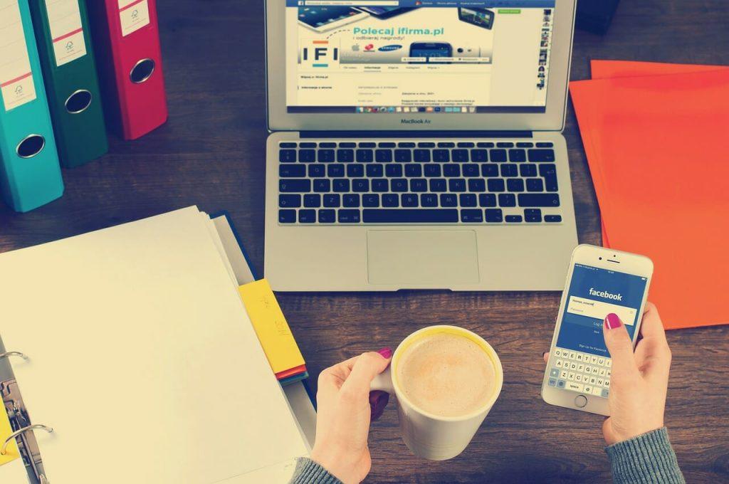 Software Perencanaan Keuangan untuk Komputer dan Ponsel Pintar