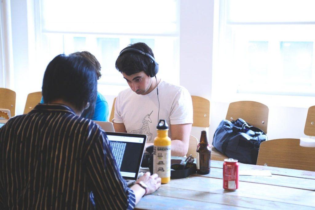 Tips Menghemat Uang bagi Mahasiswa