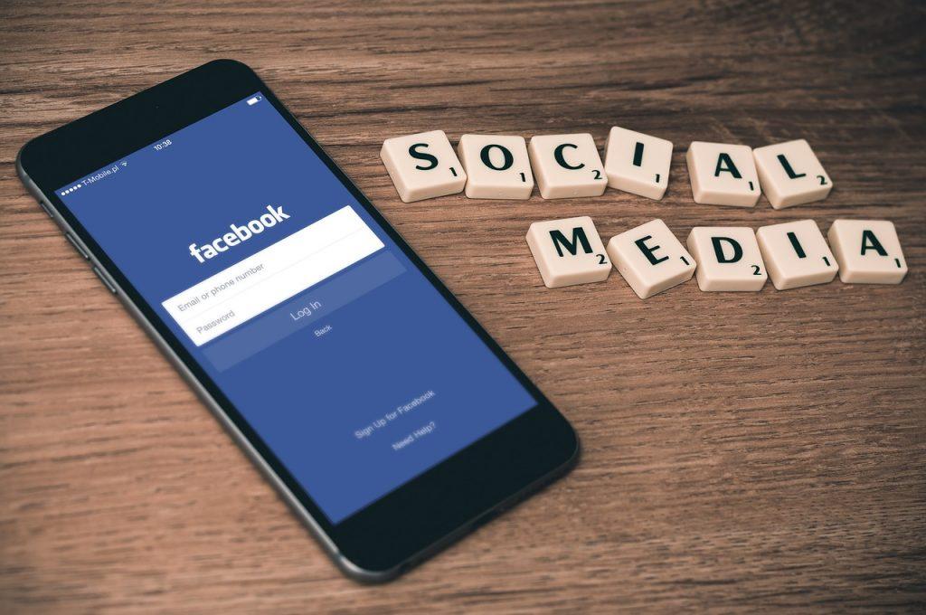 Cara meningkatkan keamanan akun facebook dengan menggunakan hardware Yubikey. Fitur ini baru diluncurkan pada tanggal 26 Januari 2017 kemarin.