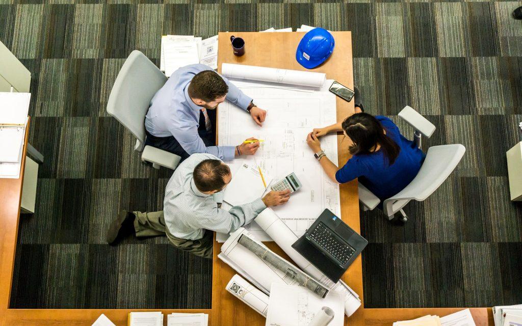 Tips Bekerja Cerdas dalam Menyelesaikan Tugas Kantor