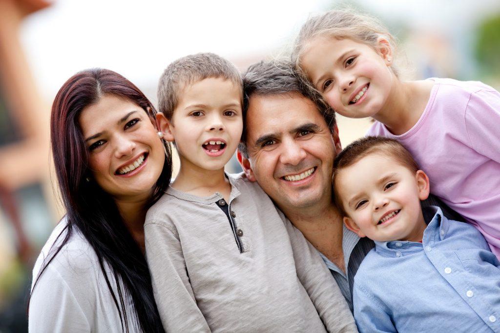 Peran keluarga terhadap perkembangan proses berpikir via mustangcorps.com