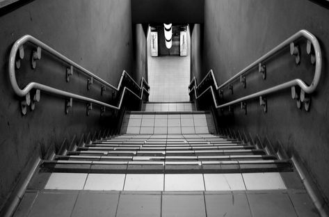 Gambar ilustrasi dari tangga