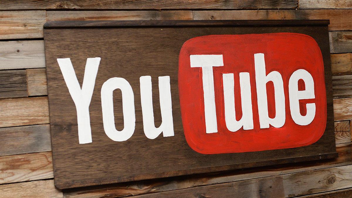 Belajar hipnosis dari video-video di YouTube via dailygenius.com