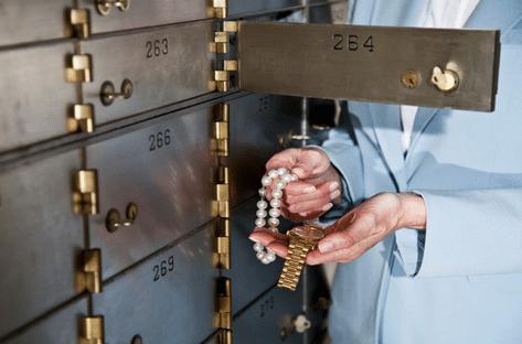 Menurunnya Kualitas dan Kuantitas dari Barang yang disimpan pada Safe Deposit Box via umkmnews.com