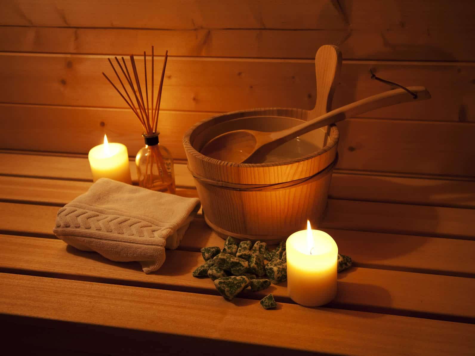 """Sebelum mandi air panas atau sauna lepas dahulu emas perhiasan yang Anda pergunakan via <a href=""""http://fabsauna.com/wp-content/uploads/2015/02/sauna.jpg"""">fabsauna.com</a>"""