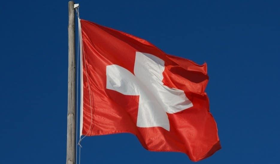 Negara Swiss berada di posisi di bawah Negara Rusia untuk Gold Reserves by Country via verbier.com