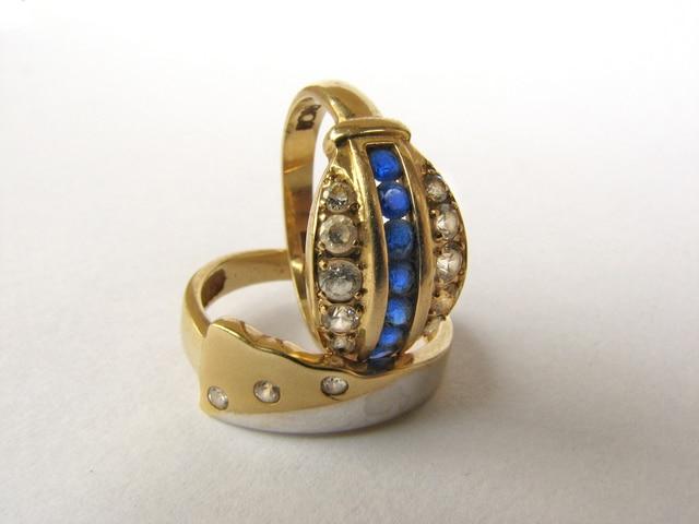 Dominasi dari emas perhiasan yang cenderung meningkat