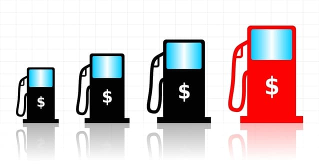 Terjadinya kenaikan harga minyak dunia secara signifikan