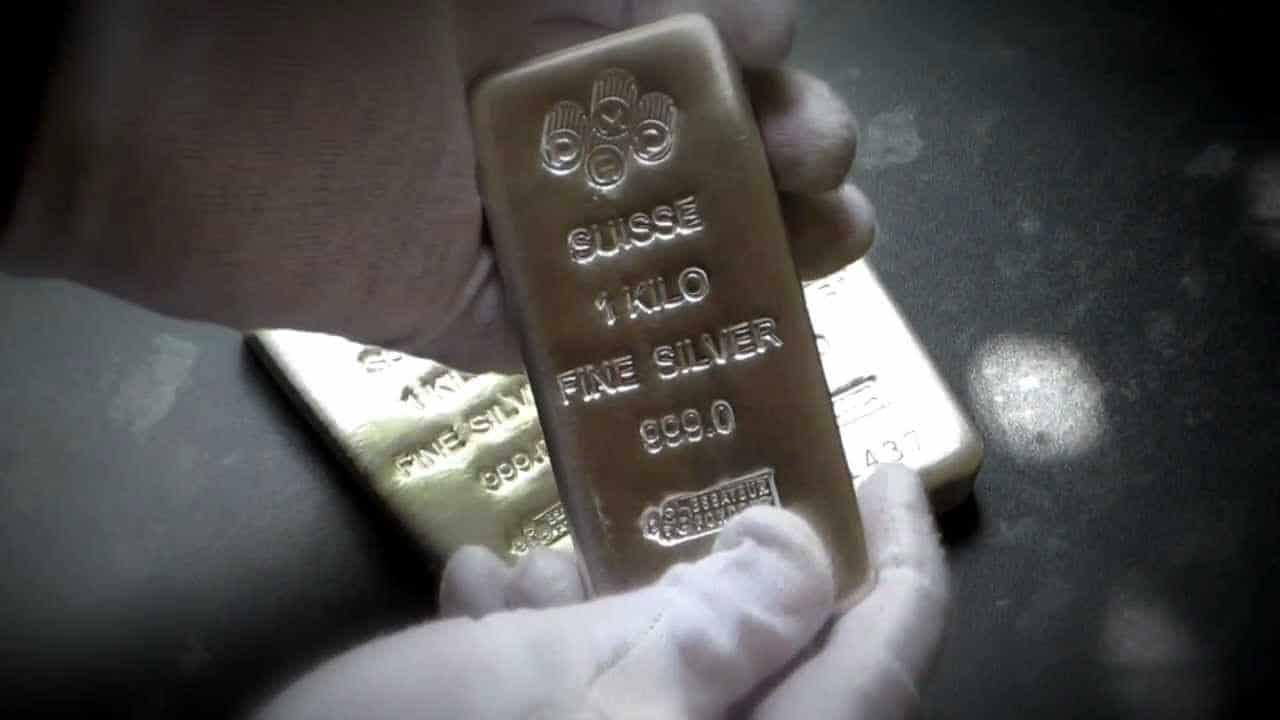 Beberapa kelebihan perak dibandingkan emas via Youtube.com