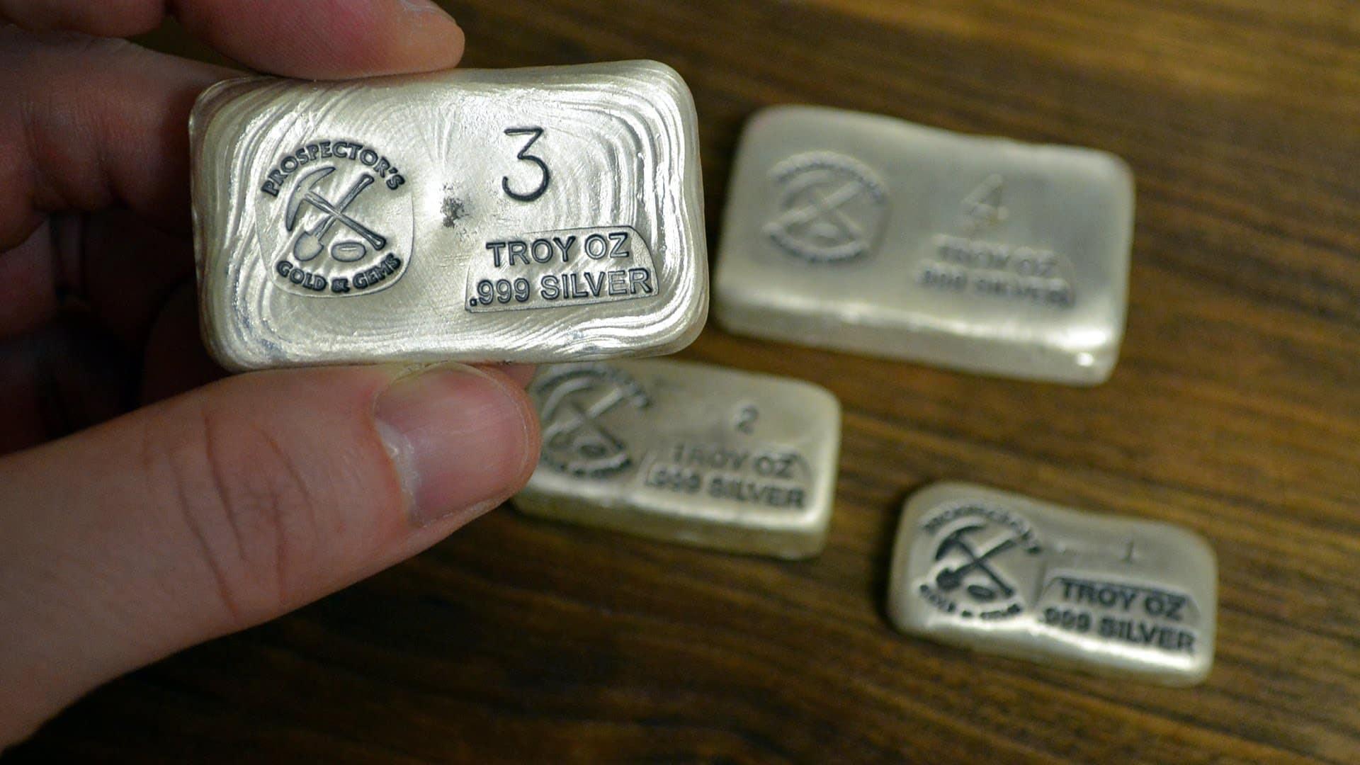 Hal-hal yang mempengaruhi pergerakan harga perak via blog.goldeneaglecoin.com