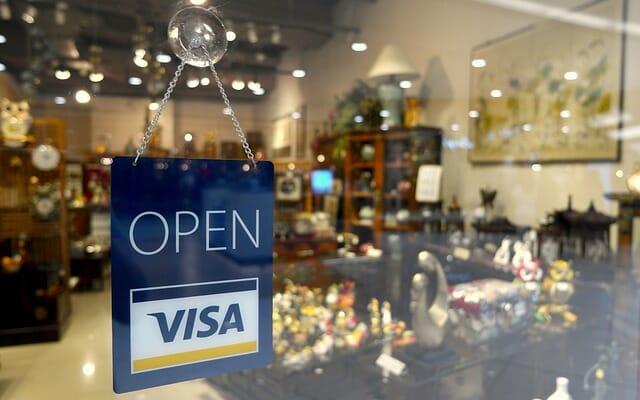 Berhenti menggunakan kartu kredit bisa menjadi solusi terbaik