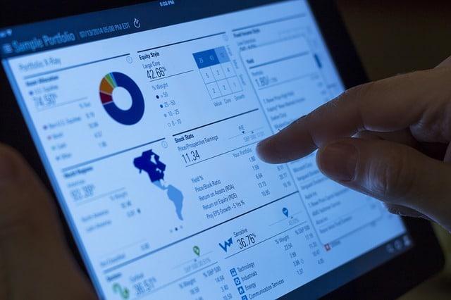 Warisan, perencanaan untuk pendidikan, pensiun, investasi, pajak, manajemen keuangan (aset, dana, hutang, cashflow), manajemen resiko, dan lain-lain adalah materi pelajaran dari seorang perencana keuangan