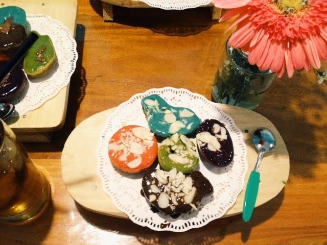 Anda bisa memulai usaha dari peluang usaha berjualan kue cubit yang manis dan enak ini
