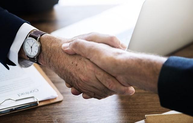 Cari perusahaan hosting yang memberikan dukungan penuh terhadap layanan mereka.