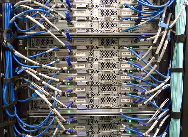 Perhatikan penawaran bandwidth dan space kuota penyimpanan harddisk yang ditawarkan oleh penyedia jasa layanan hosting