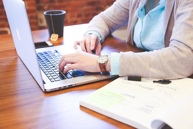 Jenis pilihan hosting lengkap mulai dari shared hosting, VPS, Dedicated Server, dan lain-lain