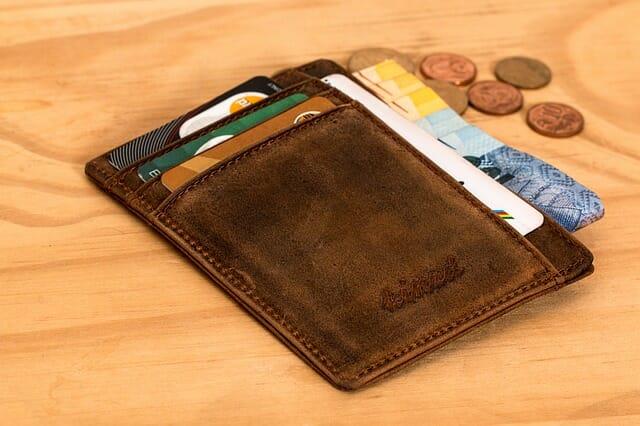Buat anggaran belanja bulanan untuk membantu anda menghemat uang bulanan