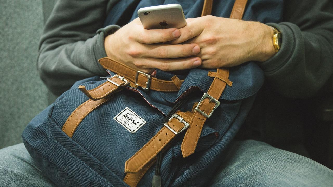 Ajak temen yang melek teknologi saat jual beli macbook