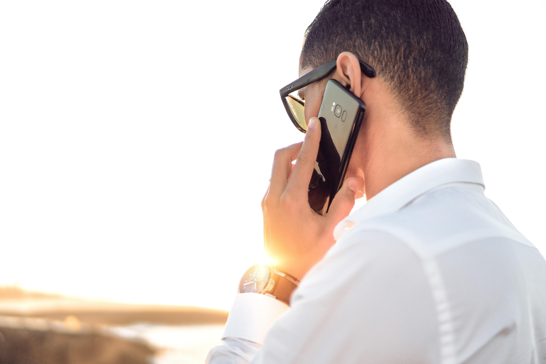 Selalu perbaharui nomor handphone yang terhubung dengan layanan internet, mobile, dan SMS banking